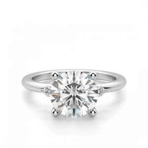 Кольцо с 3 круглыми бриллиантами