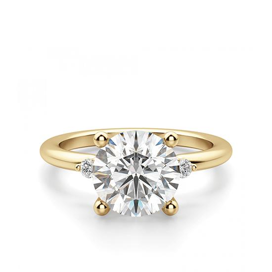 Кольцо с центральным и боковыми бриллиантами, Больше Изображение 1