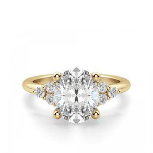 Кольцо с овальным бриллиантом