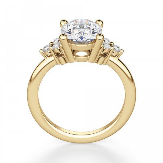 Кольцо из золота с овальным бриллиантом и 6 боковыми,  Больше Изображение 2