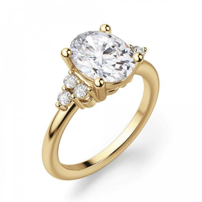 Кольцо из золота с овальным бриллиантом и 6 боковыми