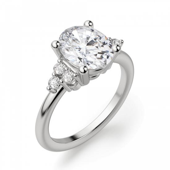 Кольцо с овальным бриллиантом и боковыми,  Больше Изображение 2
