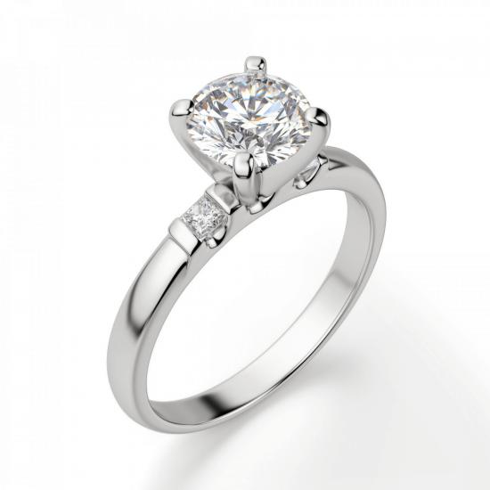 Кольцо из золота с круглым бриллиантом и 2 боковыми,  Больше Изображение 3