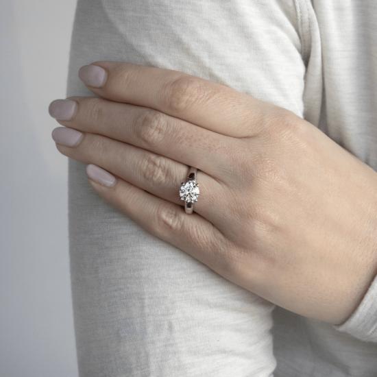 Кольцо с круглым бриллиантом и 2 боковыми,  Больше Изображение 4