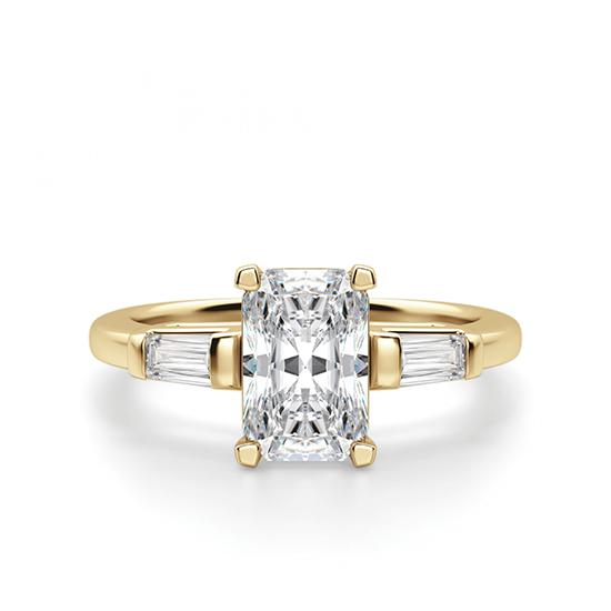 Кольцо с бриллиантом Радианти и багетами, Больше Изображение 1
