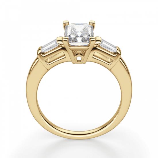 Кольцо с бриллиантом Радианти и багетами,  Больше Изображение 2