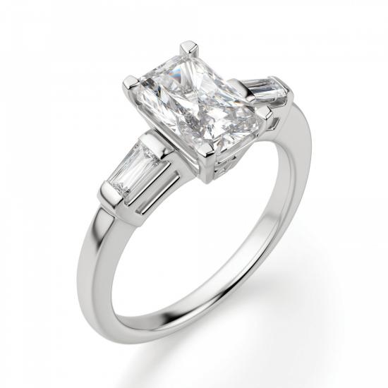 Кольцо с бриллиантом Радиант и багетами,  Больше Изображение 3