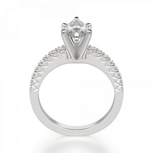 Кольцо с бриллиантом маркиз и паве по бокам