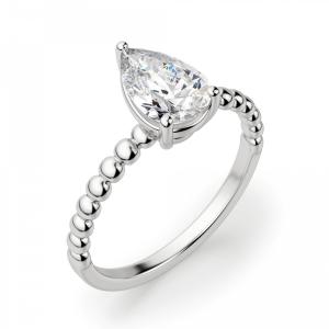 Кольцо с бриллиантом капля на шинке из шариков