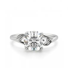 Кольцо с бриллиантом в оригинальном дизайне