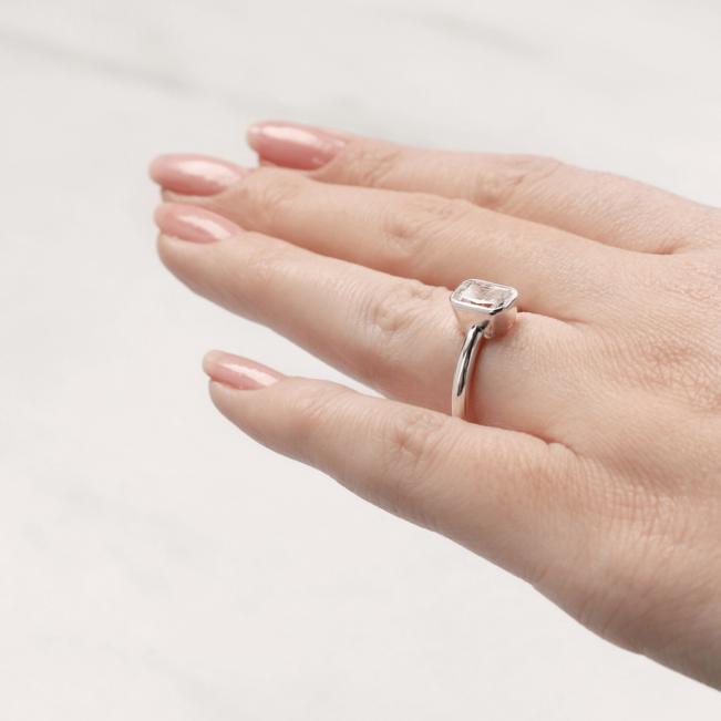 Кольцо с бриллиантом огранки радиант - Фото 5