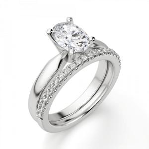 Кольцо из белого золота с бриллиантом овал