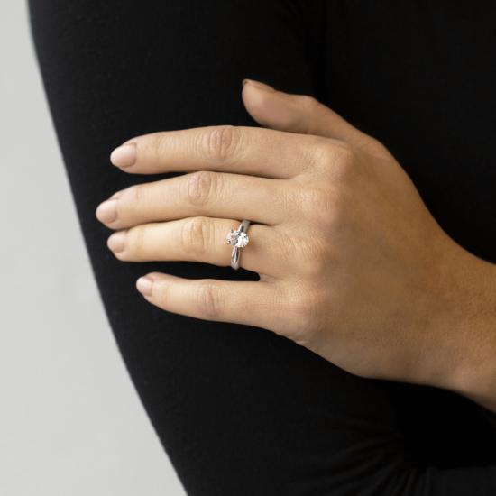 Кольцо из белого золота с бриллиантом овал,  Больше Изображение 8