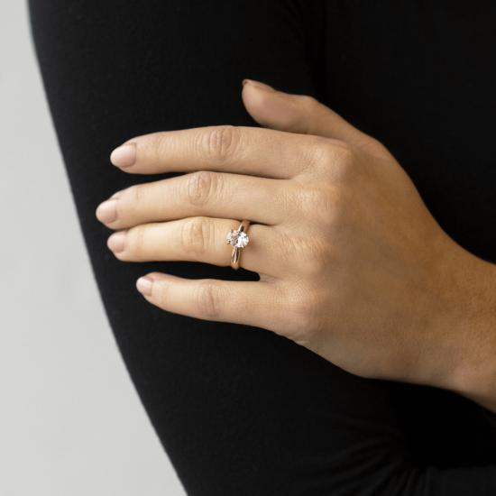 Кольцо из желтого золота с овальным бриллиантом,  Больше Изображение 8