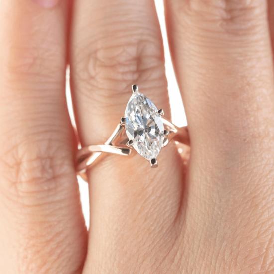Кольцо из белого золота с бриллиантом маркиз,  Больше Изображение 7
