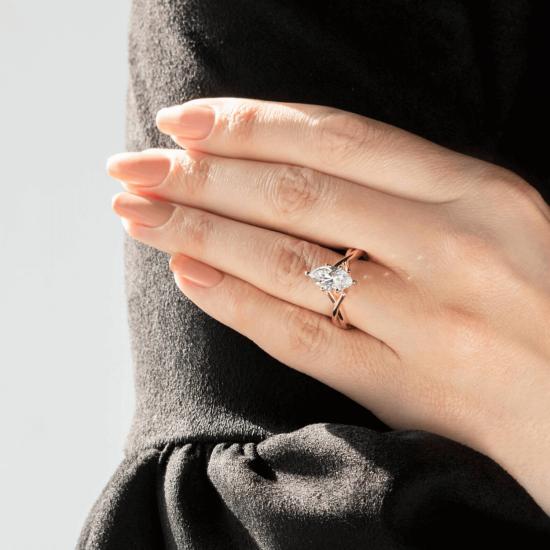 Кольцо из белого золота с бриллиантом маркиз,  Больше Изображение 8