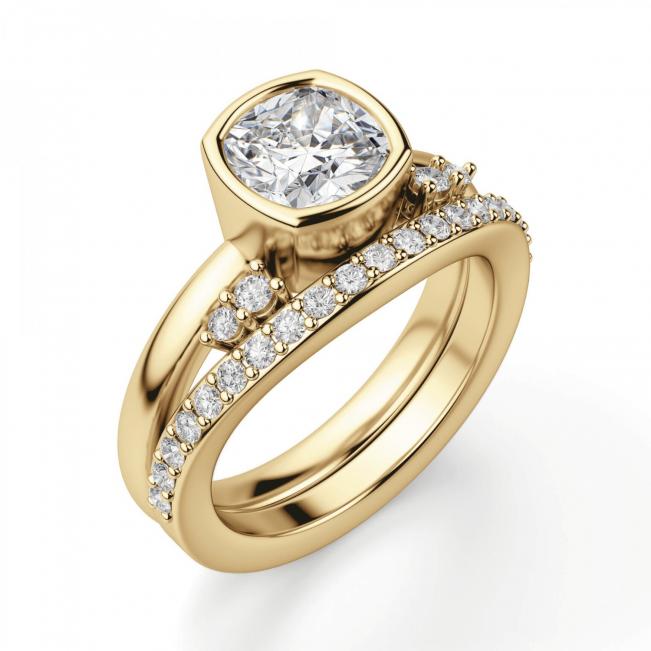 Кольцо с бриллиантом кушон в грухой закрепке из золота - Фото 3
