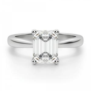 Кольцо классическое с бриллиантом эмеральд
