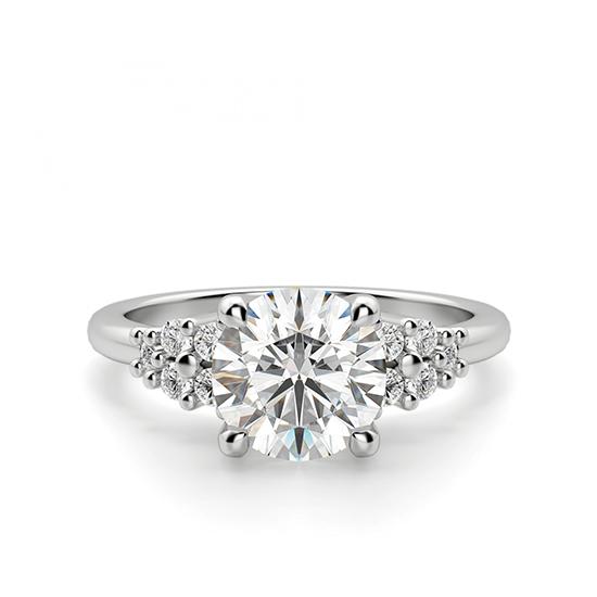 Кольцо с центральным бриллиантом и 5 бриллиантами по бокам, Больше Изображение 1