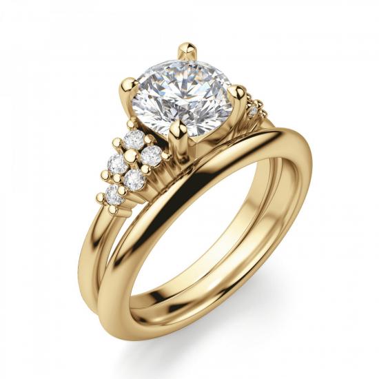 Кольцо золотое с круглым бриллиантами и боковым декором,  Больше Изображение 4