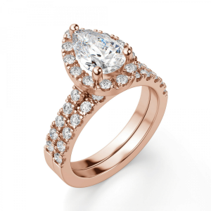 Кольцо с бриллиантом груша в ореоле