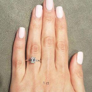 Кольцо с прямоугольным бриллиантом 1 карат