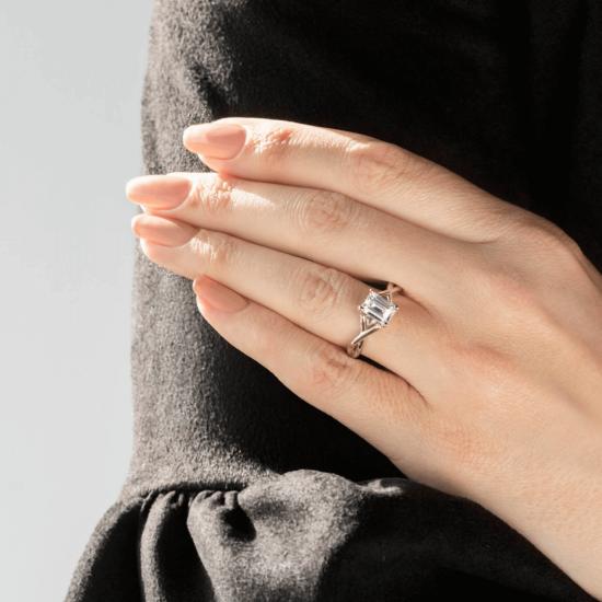 Кольцо плетеное с бриллиантом эмеральд,  Больше Изображение 8