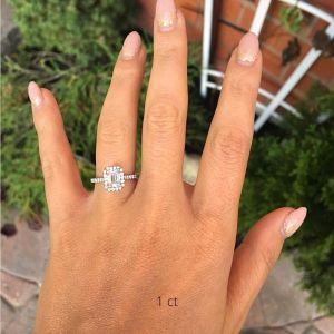 Кольцо бриллиантом эмеральд 1 карат в ореоле
