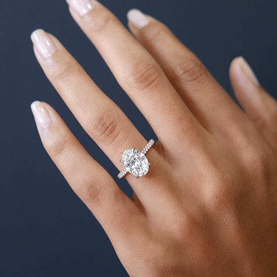 Кольцо с овальным бриллиантом и 3й дорожкой,  Больше Изображение 5