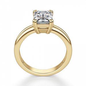 Кольцо из золота с бриллиантом изумрудной огранки