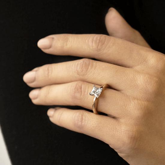 Кольцо из 2 видов золота с бриллиантом Принцесса,  Больше Изображение 6
