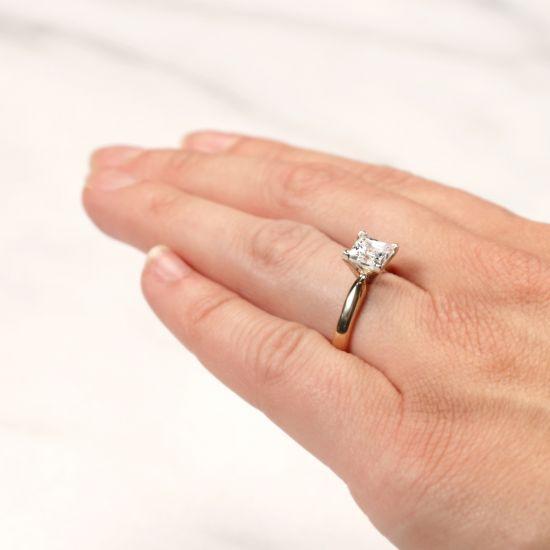Кольцо из 2 видов золота с бриллиантом Принцесса,  Больше Изображение 5