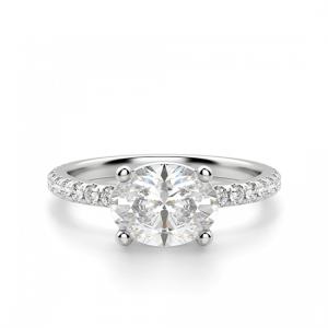 Помолвочное кольцо с бриллиантом овал