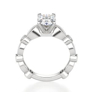 Помолвочное кольцо с бриллиантом овал с боковым декором