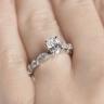 Помолвочное кольцо с бриллиантом овал с боковым декором, Изображение 5