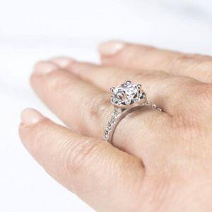 Помолвочное кольцо с бриллиантом овал 1 кт с паве - Фото 2