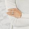Помолвочное кольцо с бриллиантом овал с паве, Изображение 3