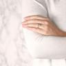 Помолвочное кольцо с бриллиантом овал из белого золота, Изображение 3