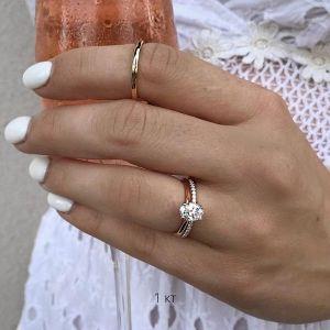 Кольцо с бриллиантом овал 1 карат из розового золота