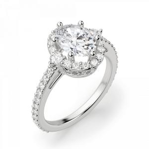 Помолвочное кольцо с бриллиантом овальной формы