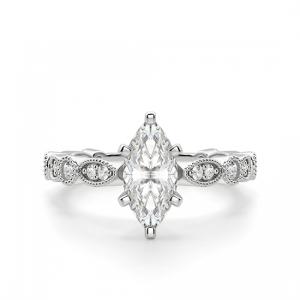 Кольцо с бриллиантом маркиз с боковыми бриллиантами