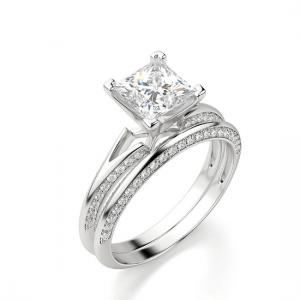 Помолвочное кольцо с бриллиантом Принцесса