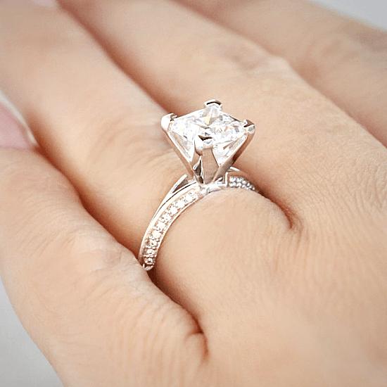 Помолвочное кольцо с бриллиантом Принцесса,  Больше Изображение 5