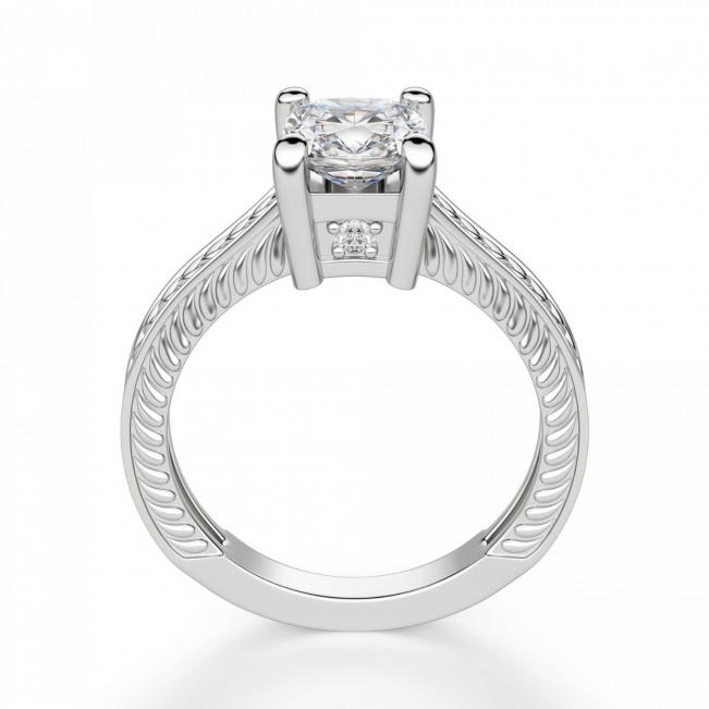 Помолвочное кольцо с бриллиантом кушон