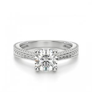Кольцо с бриллиантом с золотыми узорами