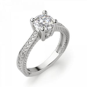 Кольцо с бриллиантом с золотыми узорами - Фото 2