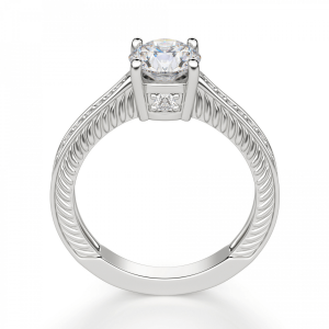 Кольцо с круглым бриллиантом и паве с боку