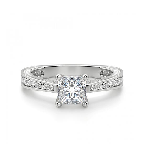 Кольцо с бриллиантом принцесса и паве по бокам, Больше Изображение 1