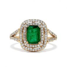 Кольцо с изумрудом и бриллиантами из желтого золота