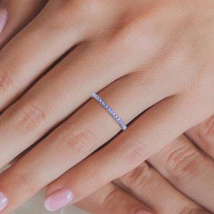 Тонкое кольцо дорожка из танзанитов